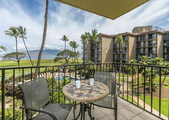 Kauhale Makai Vacation Rentals – Relax at the Village by the Sea
