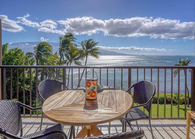 Make Your Dream Hawaii Vacation Come True at Maalaea Banyans